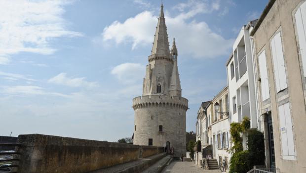 Des morceaux de pierre de la tour de la Lanterne, à La Rochelle, sont tombés le 28 avril.
