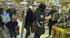 Le 20 heures du 20 décembre 2014 : Dernière ligne droite dans les magasins avant Noël - 547.203
