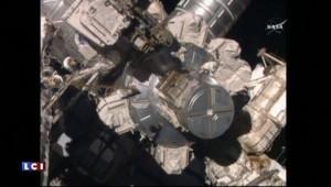 """""""Pas bien compliqué"""" pour deux astronautes de réparer un chariot de la Station spatiale"""