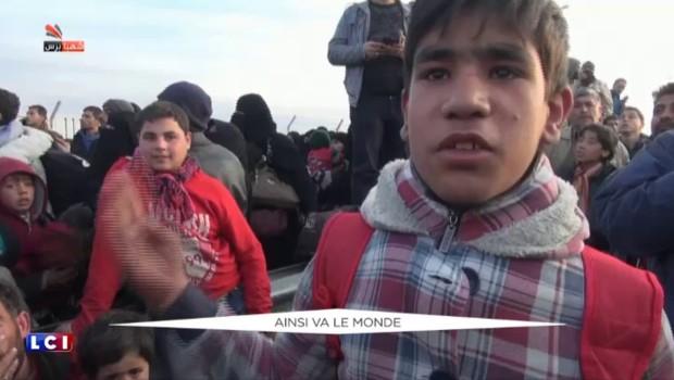 Syrie : des milliers de personnes fuyant l'armée de Bachar al-Assa, bloquées à la frontière turque