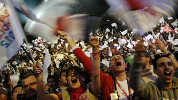 Près de 20.000 personnes - 22.000 selon les organisateurs - étaient présentes à Bercy, le 29 avril 2012, pour le dernier meeting parisien de François Hollande.