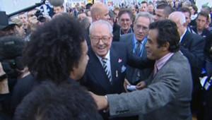TF1/LCI - Jean-Marie Le Pen et Dieudonné au Bourget, le 11 novembre 2006
