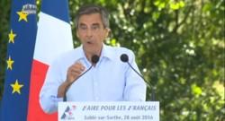 """""""Qui imagine le général de Gaulle mis en examen?"""" lance Fillon en visant Sarkozy"""