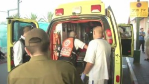 Conflit Israël-Hamas : ambulance transportant la première victime israélienne, 15/7/14
