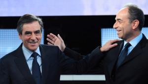 """François Fillon et Jean-François Copé sur le plateau de l'émission de France 2 """"Des paroles et des actes"""" (25 octobre 2012)"""
