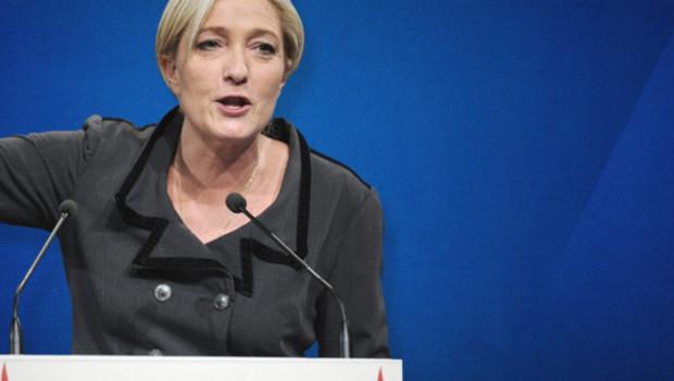 Marine Le Pen a déclaré être prête à descendre dans la rue aux côté de Jean-François Copé
