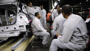 Des ouvriers de PSA Aulnay en grève en janvier 2013.