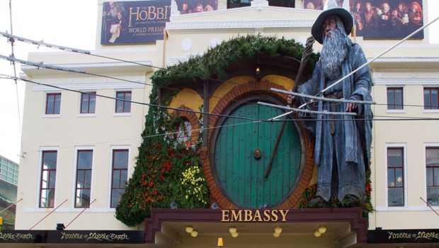 Un cinma du centre de Wellington aux couleurs du film Le Hobbit : un voyage inattendu de Peter Jackson