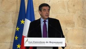 François Fillon à Asnières-sur-Oise, lors d'un discours clôturant les Entretiens de Royaumont (04/12/2011)