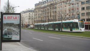 LCI.fr/N.C. - Le nouveau tramway parisien, dit T3, avant son inauguration, le 13 décembre 2006