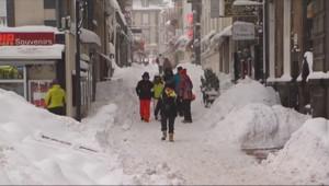 Le 13 heures du 6 février 2015 : Les vacances d%u2019hiver débutent avec de la neige - 1280.846