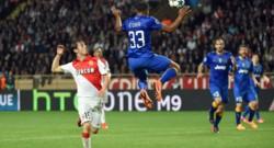 Le Turinois Patrice Evra face au Monégasque Bernardo Silva.