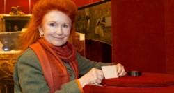 Viviane de Witt, directrice générale de la marque de montres De Witt, a acheté des cheveux appartenant à Napoléon lors d'une vente aux enchères.