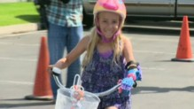 Faith, 7 ans, a bénéficié d'une main imprimée en 3D.