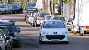 Peugeot se lance dans les voitures hybrides
