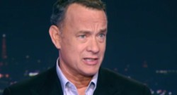 """Tom Hanks lors de son entretien avec Gilles Bouleau le 18 novembre 2013 au 20h de TF1 pour la sortie de """"Capitaine Phillips"""""""