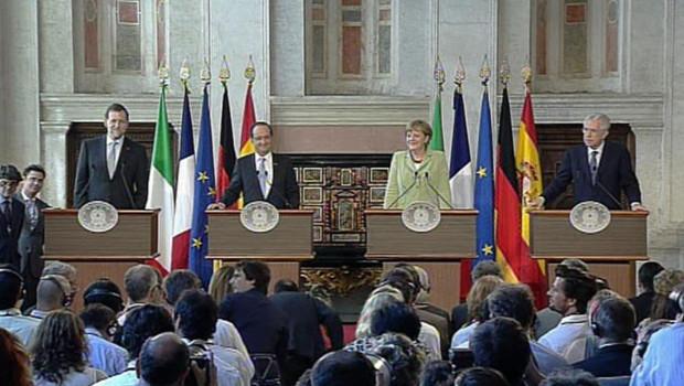 Les quatre dirigeants des principales économies de la zone euro : l'Espagnol Mariano Rajoy, le Français François Hollande, l'Allemande Angela Merkel et l'Italien Mario Monti.