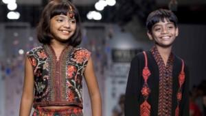 """Rubina Ali Qureishi (à gauche) et Azzharrudin Ismail (à droite), les enfants-acteurs de """"Slumdog Millionaire"""""""