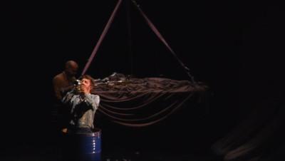 """Le 20 heures du 21 octobre 2014 : """"Cirque plume"""", un spectacle de po�e et d%u2019humour - 1912.5869177246095"""