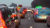 En grève contre les VTC, les taxis se sont rassemblés à Paris