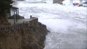 Le 13 heures du 10 février 2014 : Biarritz sous des vents tr�forts - 131.4890052642822