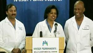 Les médecins qui ont mis au monde huit enfants, à Los Angeles, le 27 janvier 2009