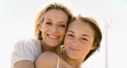 Une adolescente et sa mère
