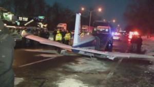 Atterrissage d'urgence d'un avion sur une autoroute à New-York