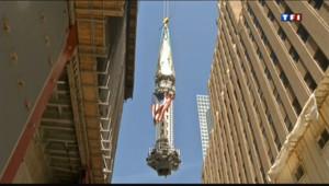 Le 20 heures du 3 mai 2013 : Une fl�e au sommet du One World Trade Center - 1708.755