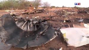 Le 20 heures du 4 avril 2015 : Crash du vol Air Algérie : un problème de givre sur les capteurs en cause selon le BEA - 561.615148574829