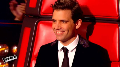 Mika pendant les battles de The Voice