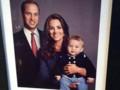 Prince William, Kate Middleton et prince George dans un portrait de famille