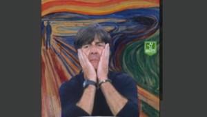 Une photo du sélectionneur allemand détourné après la défaite de l'Allemagne en demi-finale de l'Euro.