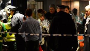 La police et les secours étaient déployés jeudi soir devant l'Apollo Theatre de Londres, après l'effondrement du toit du bâtiment en pleine représentation.