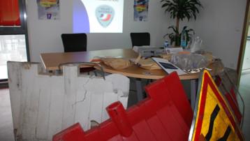 Série d'objets lancés par des jeunes depuis des ponts de l'A25 en août 2009