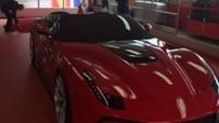 Ferrari F12 TRS, véhicule unique développé par la département Projets spéciaux en 2014, au prix de 3,1 millions d'euros