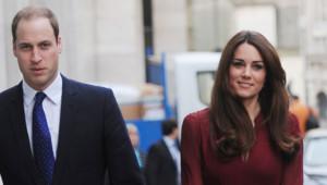 Kate et William se rendant à l'inauguration du portrait officiel de la duchesse le 10 janvier 2013.
