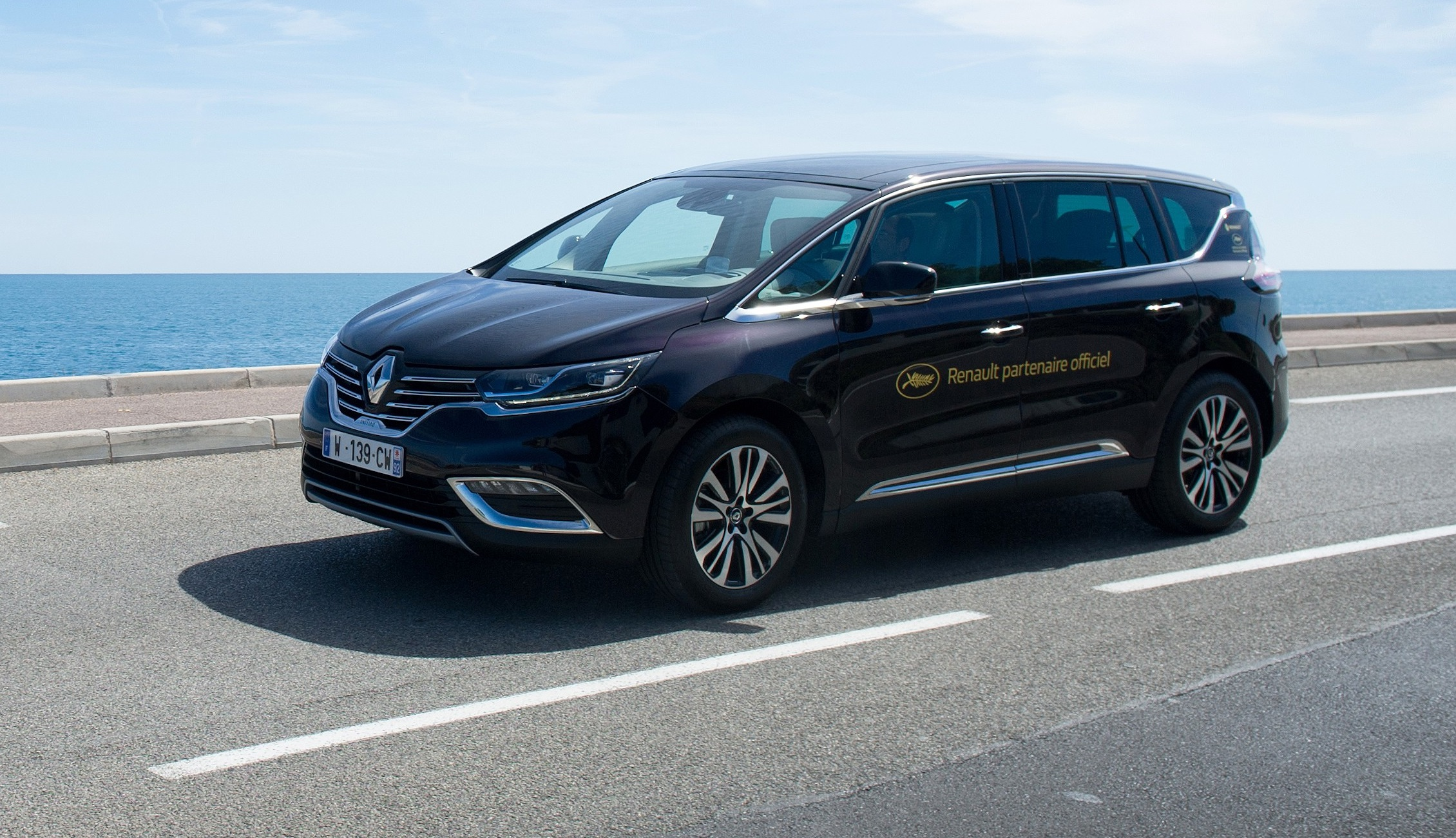 news automoto festival de cannes 2015 le nouveau renault espace voiture officielle mytf1. Black Bedroom Furniture Sets. Home Design Ideas