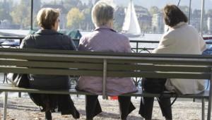 vieux vieillard personnes âgées pension retraite banc lac vieille