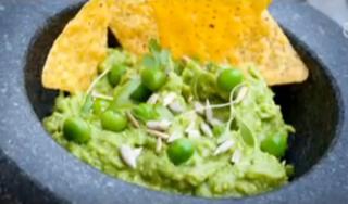 Des petits pois dans le guacamole ? Le débat déchire l'Amérique, Obama s'en mêle