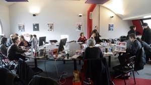 L'équipe de Charlie Hebdo dans les locaux de Libération en janvier 2015.