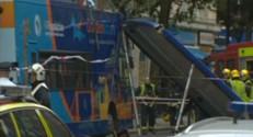 Londres : le toit d'un bus arraché (03/08)