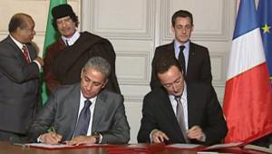 Signature de contrats entre la France et la Libye à l'Elysée (10 décembre 2007)