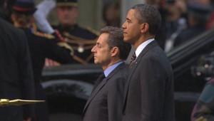 Nicolas Sarkozy et Barack Obama lors d'une cérémonie pour l'amitié franco-américaine le 4 novembre 2011 à Cannes.