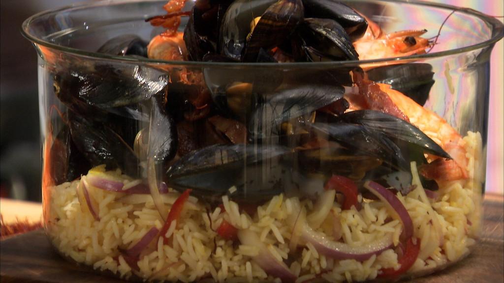 Salade de riz fa on pa lla petits plats en equilibre mytf1 - Recette cuisine tf1 petit plat en equilibre ...