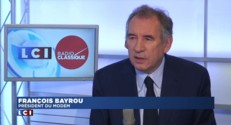 """Dette : """"La Grèce danse au bord de la falaise"""", affirme Bayrou"""