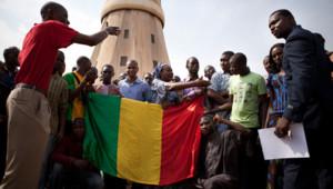 Des manifestants à Bamako le 6/4/2012