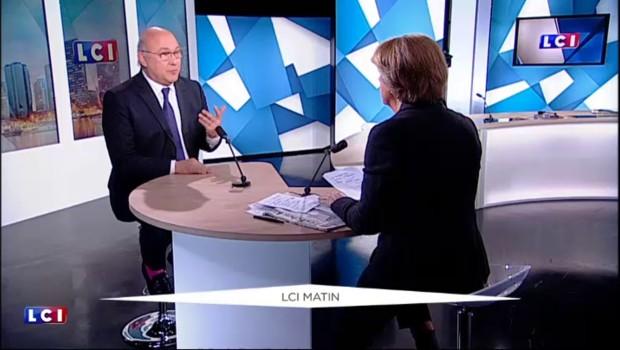 """Mégacontrat avec l'Australie : """"La France est un grand pays aux yeux du monde"""", estime Sapin"""