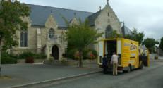 Le 13 heures du 23 octobre 2014 : En Bretagne, un couple de commer�ts ambulants vient en aide aux villageois - 1095.2945243530273