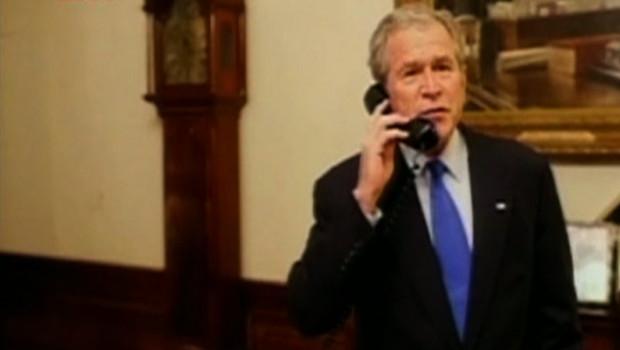 George w. Bush au téléphone